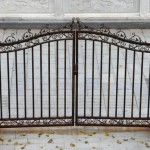 Awesome Modern Home Iron Fence Photo