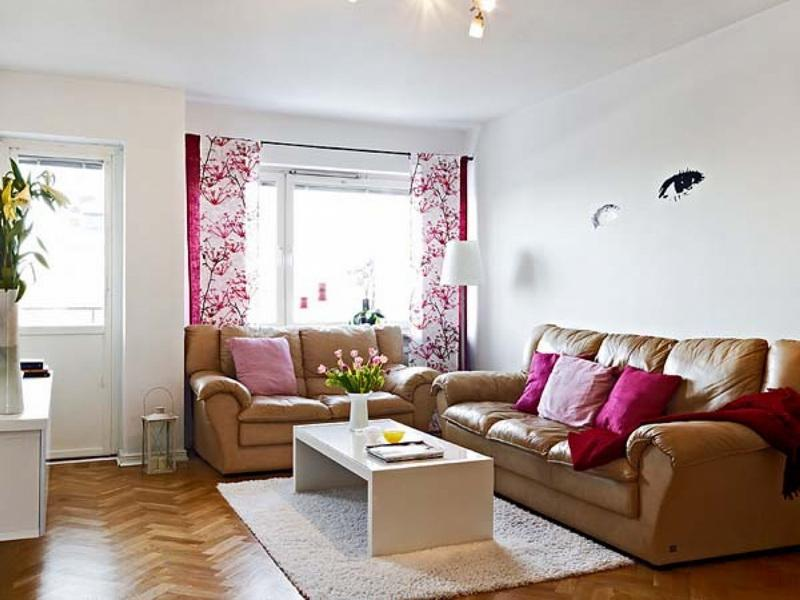 Beautiful And Affordable Family Room Photo
