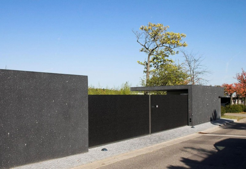 Black Gate And Fence Design Image