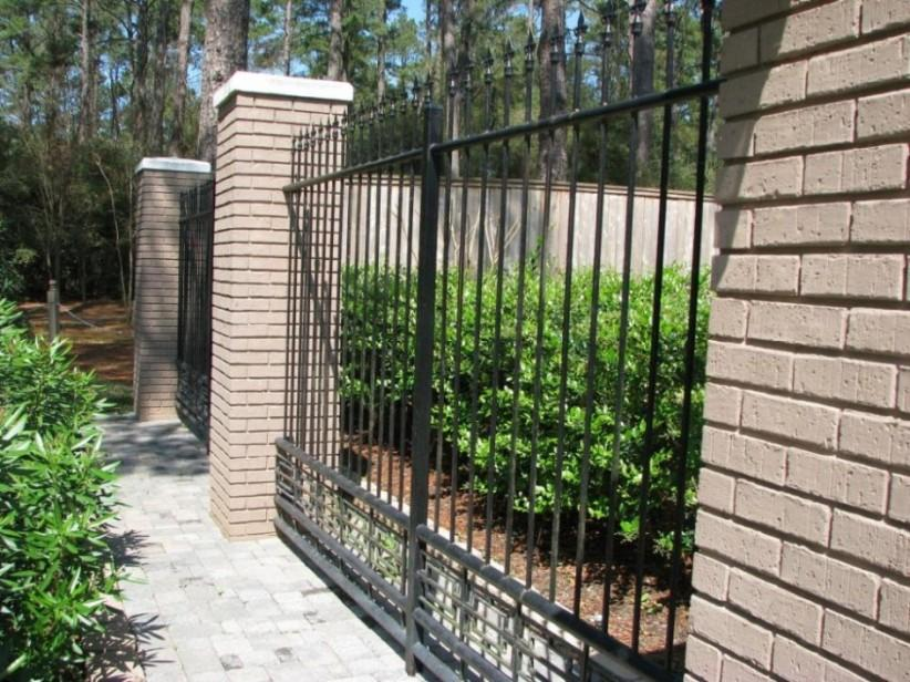 Black Iron Fence Color For Minimalist Home
