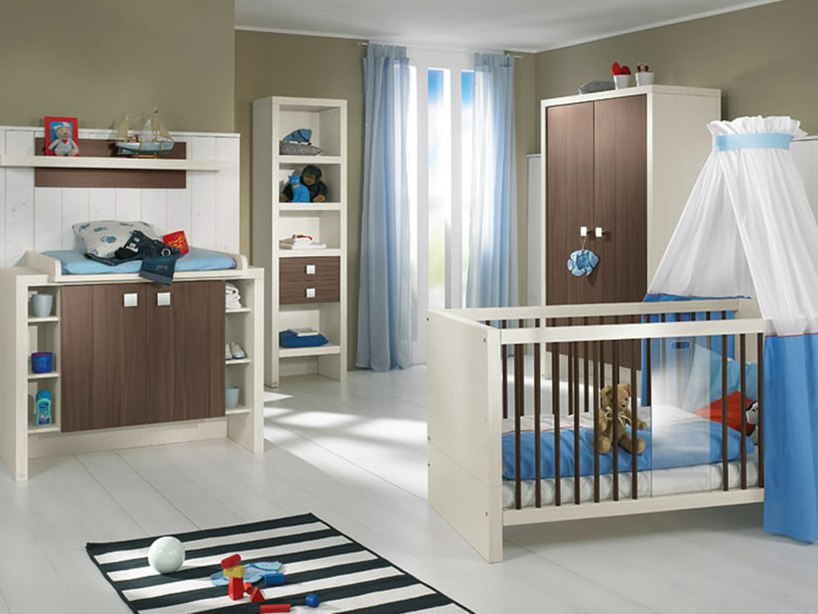 Blue And White Baby's Bedroom Design