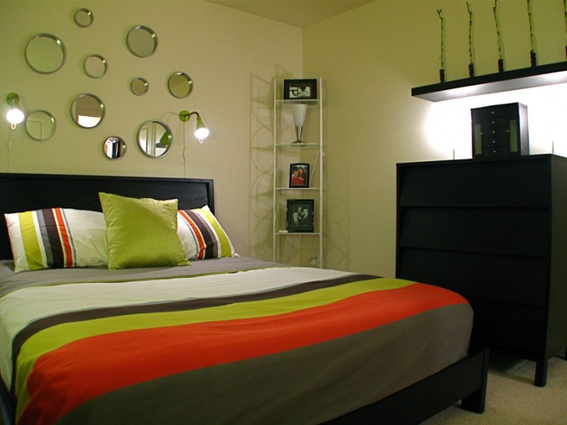 Colorful Paint Combination For Minimalist Bedroom