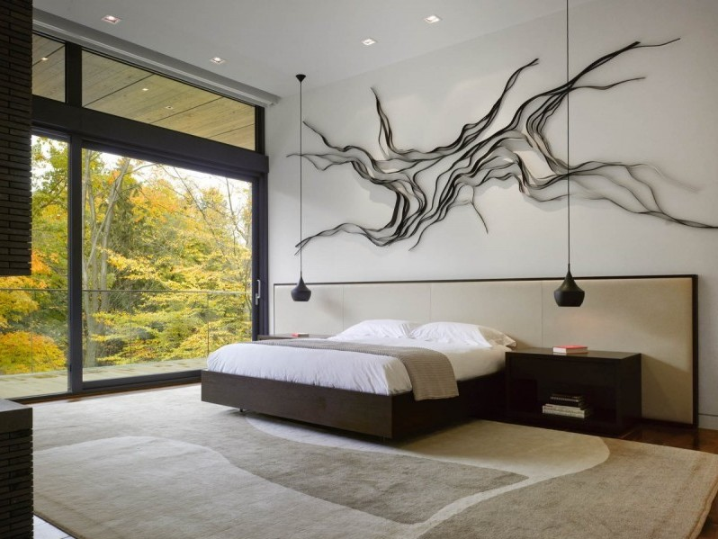 Contemporary Home Main Bedroom Decor Idea. Organize Minimalist ...