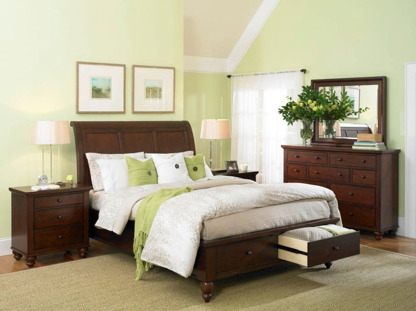 Fresh Green Color For Modern Bedroom