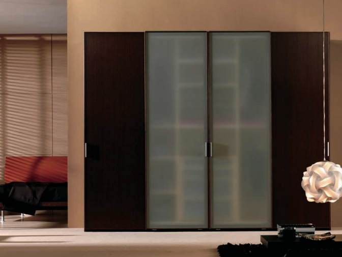 Luxury Sliding Wardrobe Idea For Bedroom