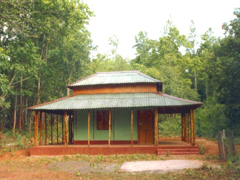 Minimalist Small Bamboo House Idea Picture