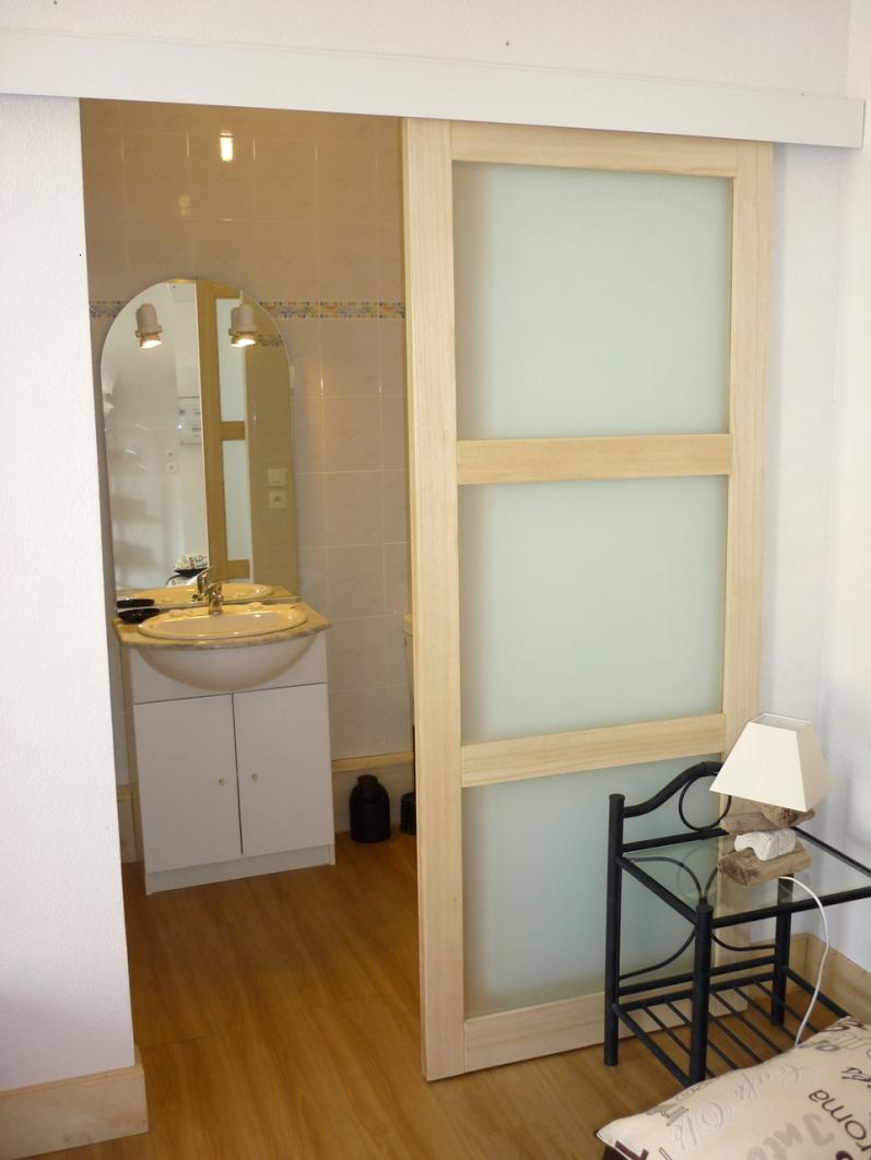 Minimalist Wooden Door For Modern Bathroom