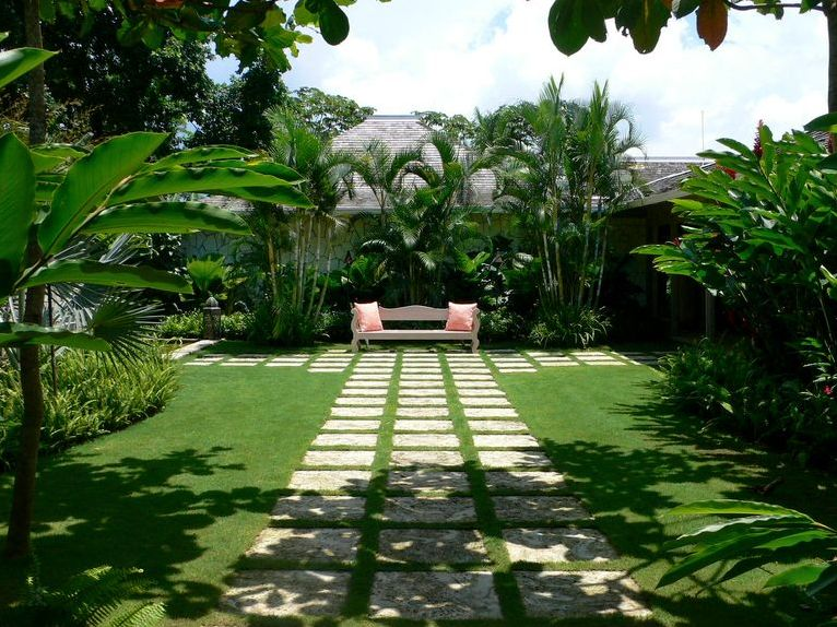 Modern Minimalist Tropical Garden Design Idea