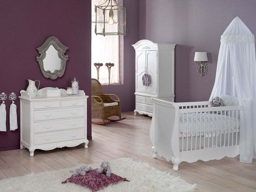 Simple Color Idea For Baby's Bedroom
