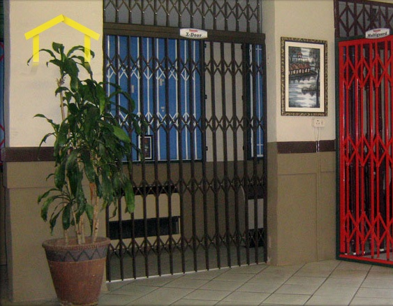 Genial Simple Iron Trellis Door Design Idea