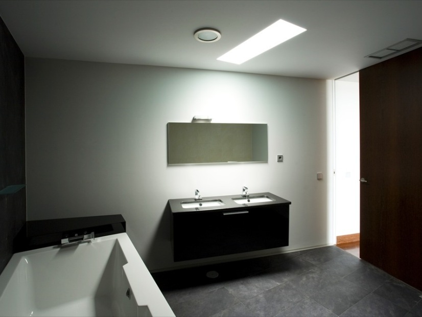 Small Modern Minimalist Home Bathroom Idea