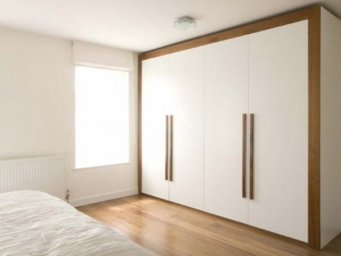 White Wardrobe Design Color For Minimalist Bedroom