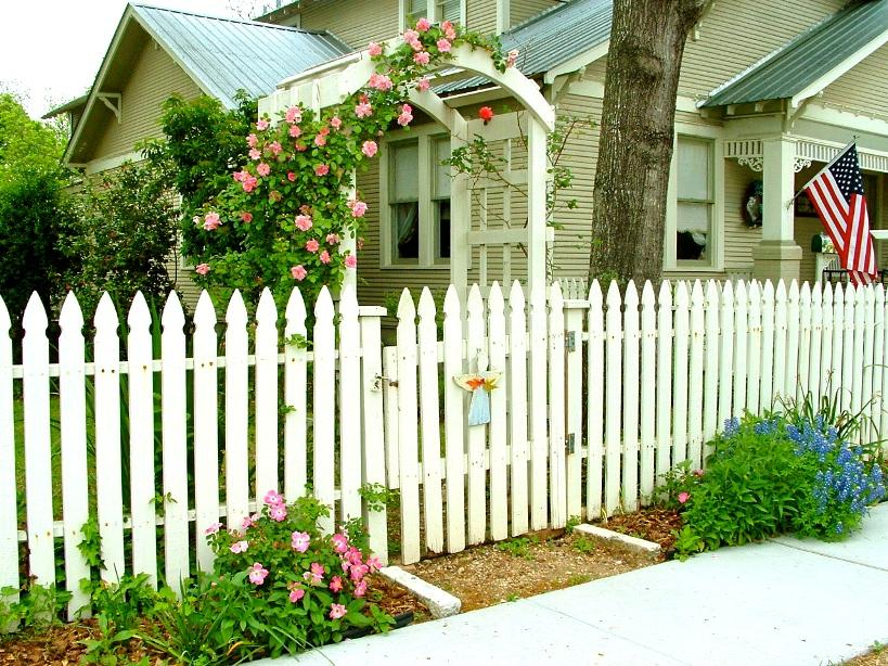 Wooden Fence Idea With White Color