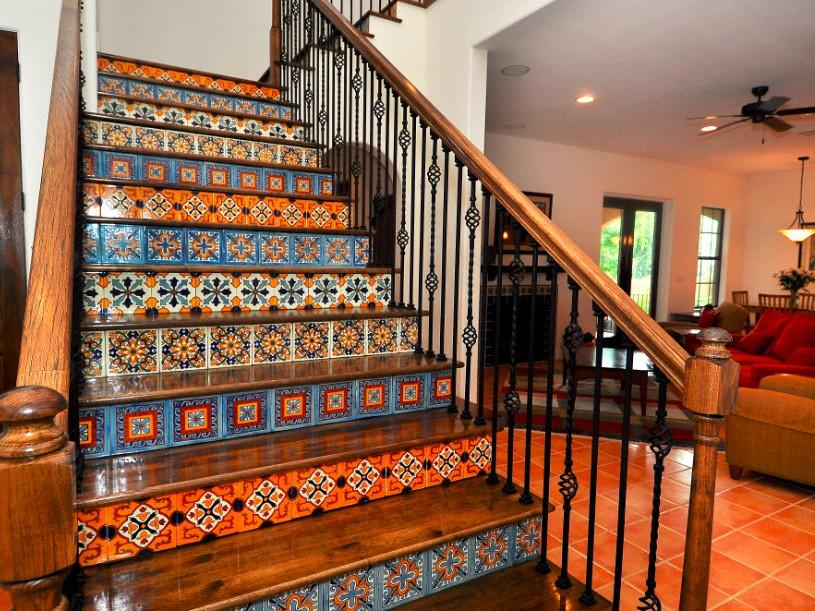 Beautiful Home Stairs Decoration Design Photo