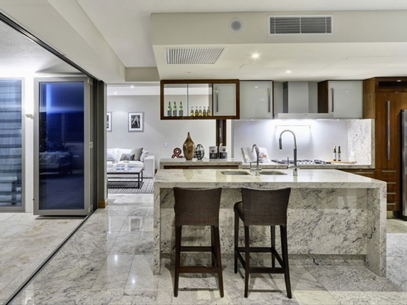 Beautiful Kitchen With Dining Table Design