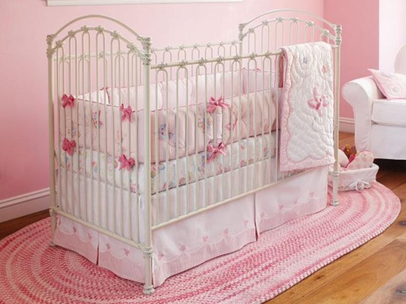Beautiful Pink Theme Idea For Baby Bedroom