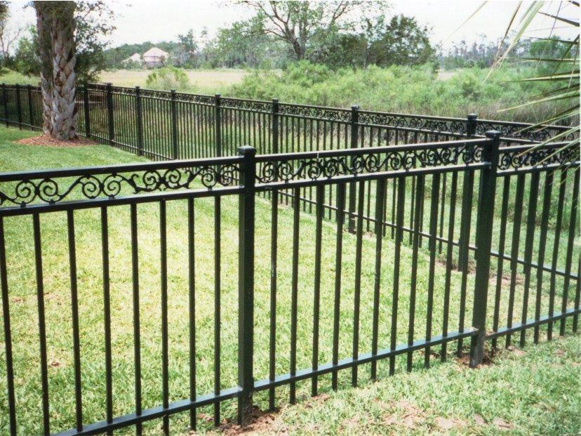 Minimalist Iron Fence Design For Garden