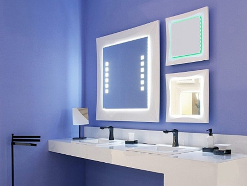 Blue And White Interior For Bathroom