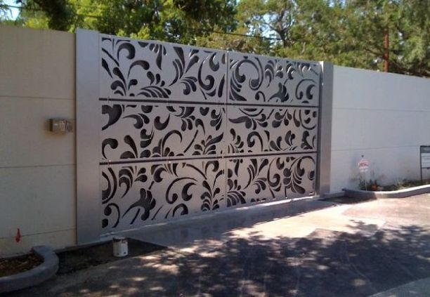 Cool Fence Decor Idea For Home Decor