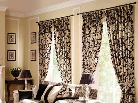 Elegant And Beautiful Window Curtain Idea