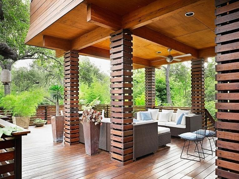 Glamor Wooden House Terrace Design Photo