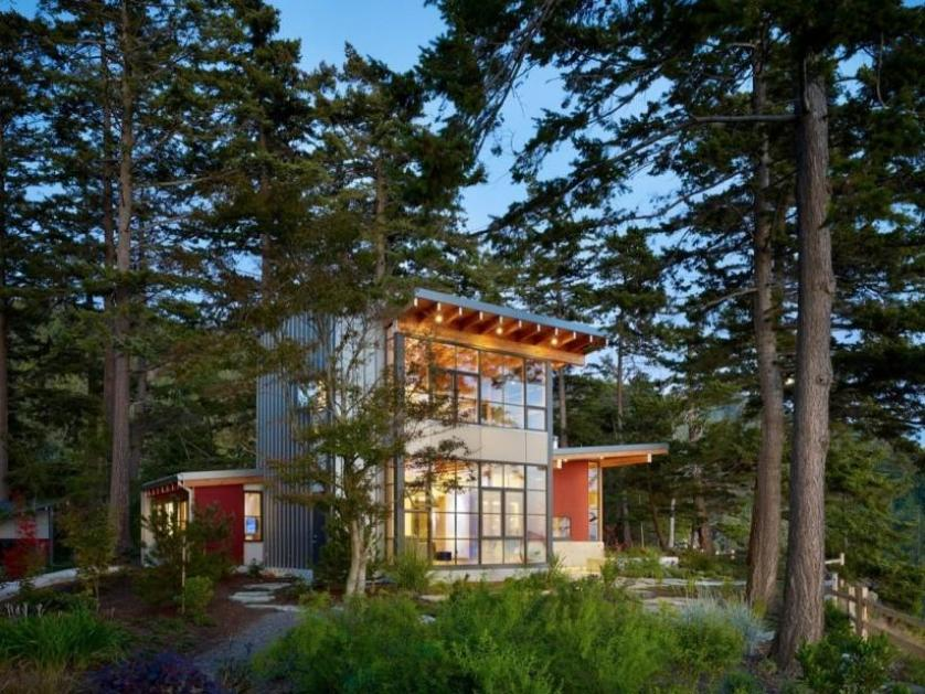Natural View For Modern House Exterior