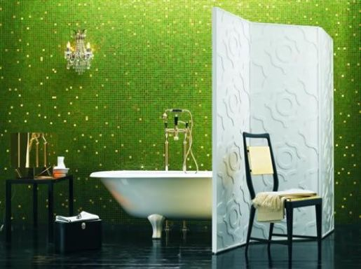 Small Bathroom Design With Green Wall