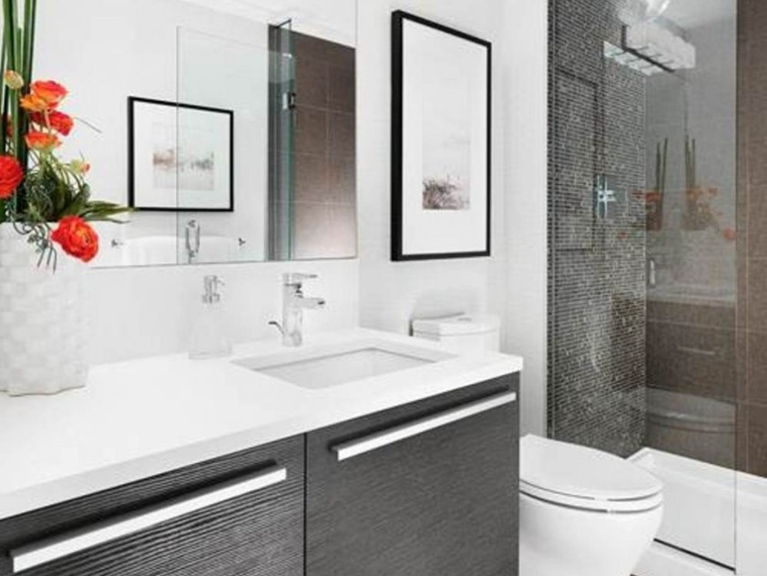 Comfortable minimalist bathroom in small space 4 home ideas - Bathroom shelves for small spaces minimalist ...