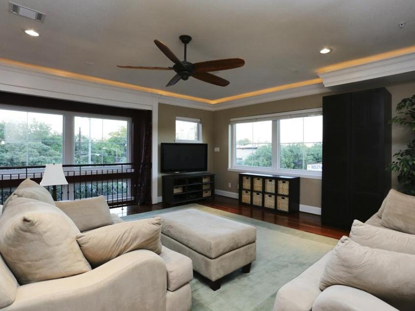 Paint Color Ideas To Make Cozy Family Room - 4 Home Ideas