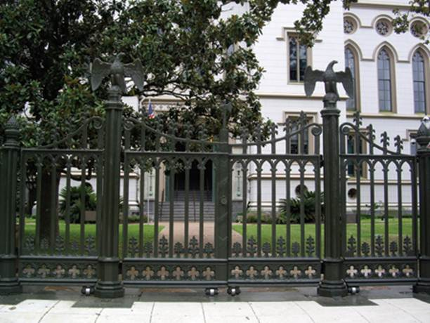 How To Care Your Iron Fence