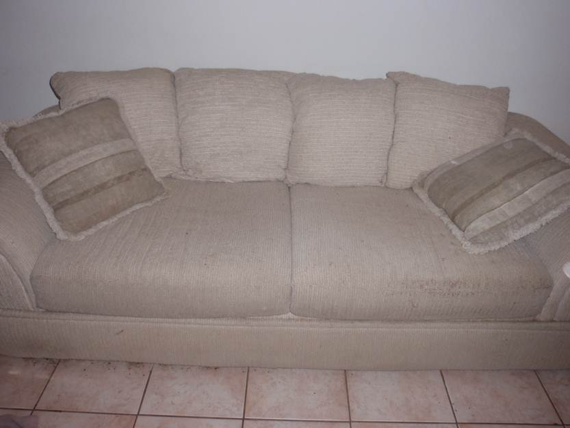 Nice Ideas To Fix Your Damaged Sofa