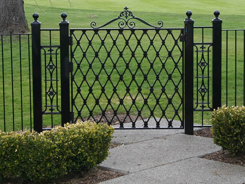 Simple Ways To Clean Iron Fence