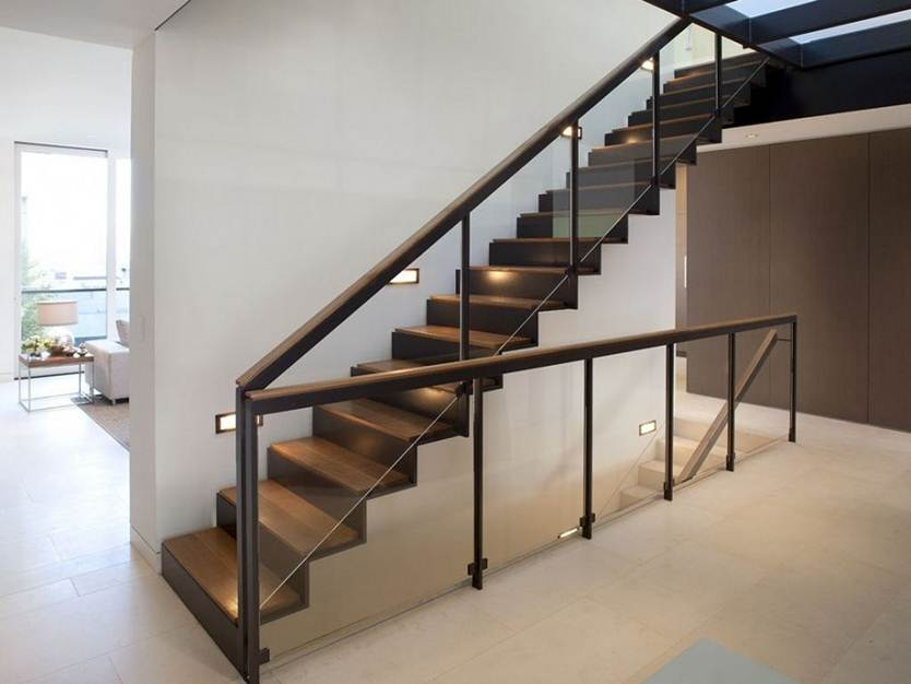 Tips To Build Modern Home Staircase