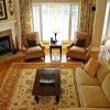 Casual Traditional Living Room Decorating Idea