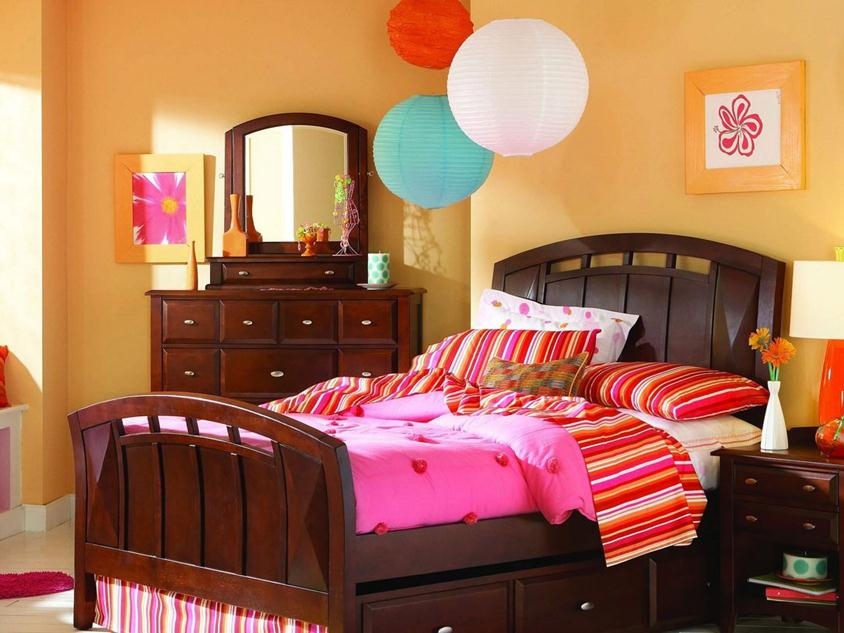 Colorful Decorating Idea For Children Bedroom