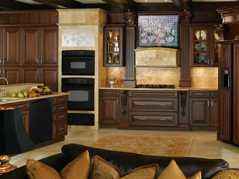 Elegant Traditional Kitchen Design Model