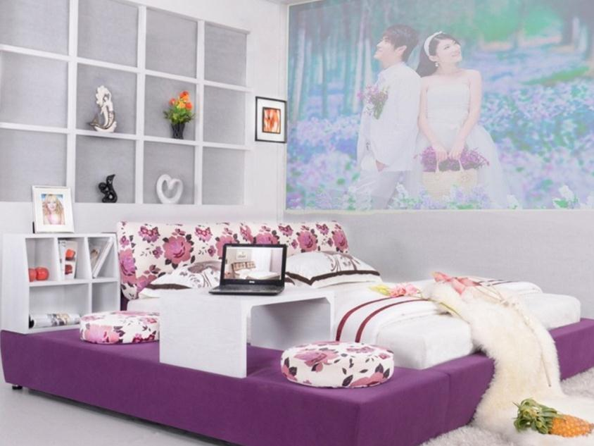 Nice White Bedroom Design With Wallpaper