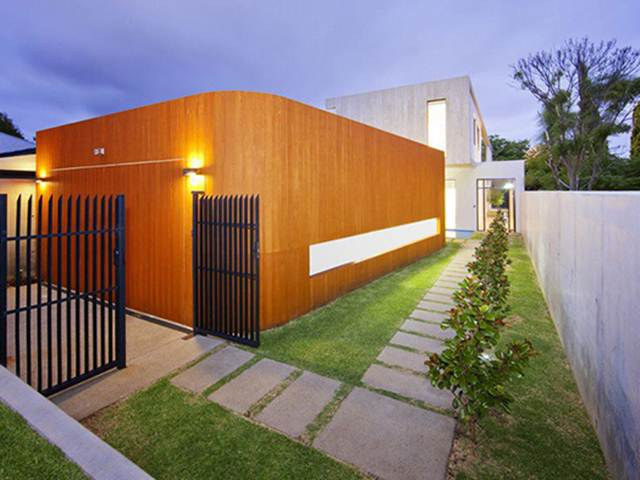 Simple fence idea to decorate home look 4 home ideas for Minimalist house fence