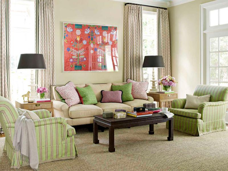 Simple Traditional Family Room Design