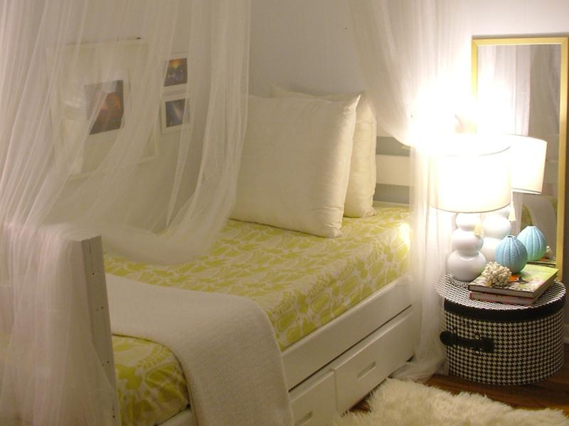 Tips To Make Small Bedroom More Attractive