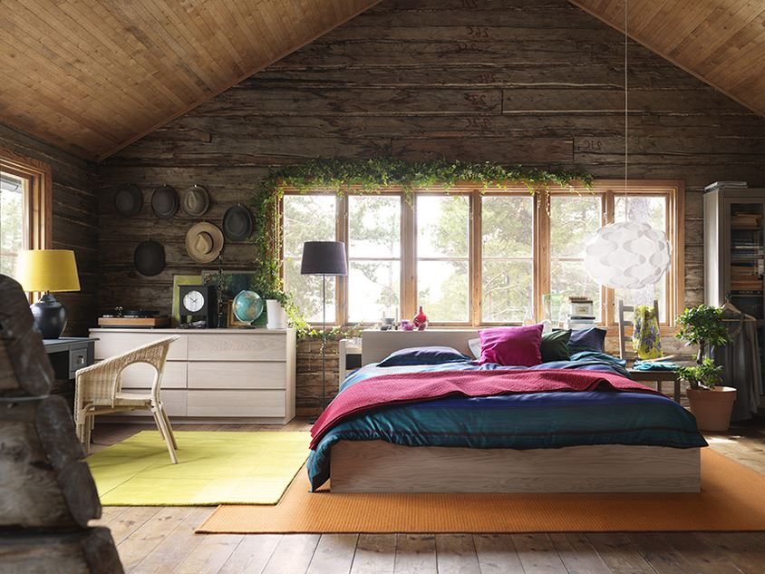 Bedroom design idea for wooden house 4 home ideas for Inexpensive interior design help