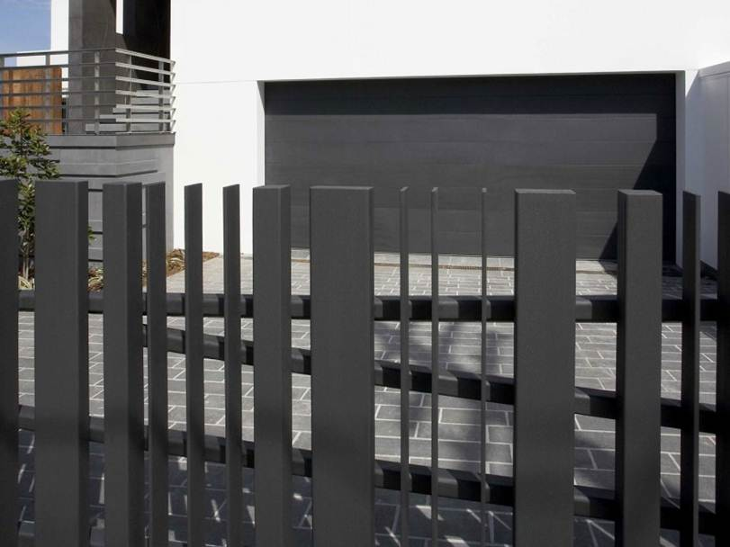 Elegant Black Fence For Minimalist Home