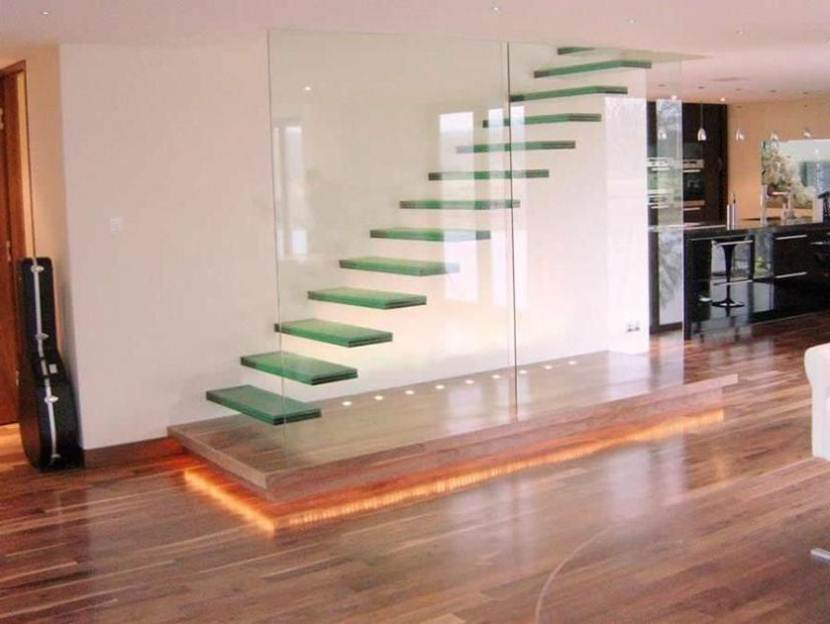 Elegant Glass Stairs For 2 Floor House