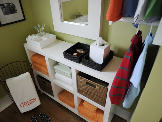 Furniture Idea For Small DIY Bathroom
