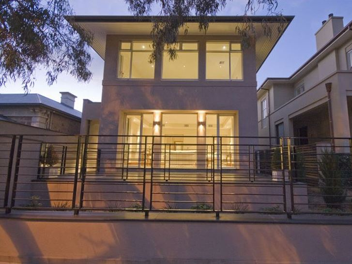 Modern Home Fence With Minimalist Style