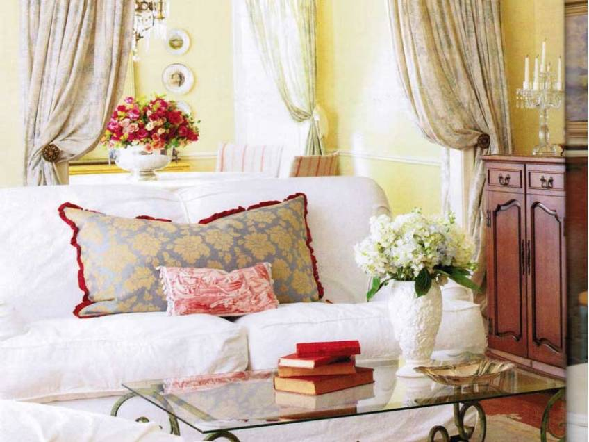 Simple French Home Decor For Small Room