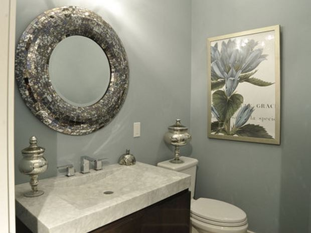 Small Mirror Design For Minimalist Bathroom