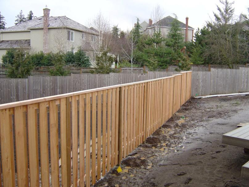Teak Fence Design For Minimalist Home
