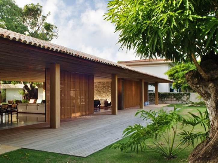 Tropical home design for minimalist wooden house 4 home for Tropical style house plans