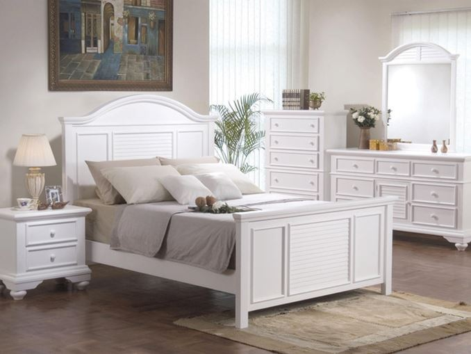 White Color For Shabby Chic Bedroom